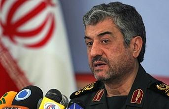 İran, Suriye'deki askeri güçlerinin kalacağını söyledi