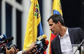 Kendini başkan ilan eden Guaido'dan siyasi rüşvet