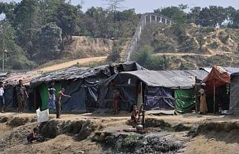 Myanmar, Bangladeş sınırında tarafsız bölgede beton engel inşa ediyor