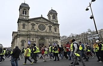 Sarı Yelekliler 10 haftadır sokakta