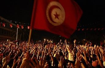 Tunus devrimin 8. yılında gerilim dolu