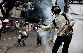 Venezuelalı muhalifler yeniden sokaklara iniyor