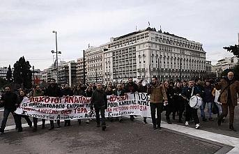 Yunanistan'da öğretmenler de ayaklandı