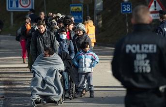 Avusturya'da mültecilere 'sokağa çıkma yasağı' geliyor