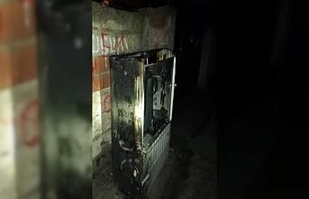 Batman'da 5 elektrik panosu kundaklandı 200 ev elektriksiz kaldı