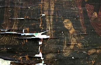 Hz. İsa'nın 13. yüzyıla ait çarmıh tablosu korumaya alındı