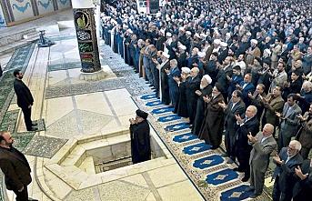 İran'da ekonomik kriz cuma hutbelerinde yer aldı