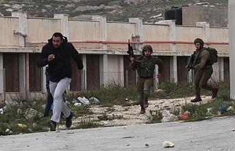 İsrail askerlerinden Batı Şeria'daki gösteriye müdahale