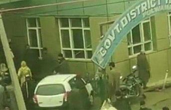 Keşmir'de lisede patlama, 25 yaralı