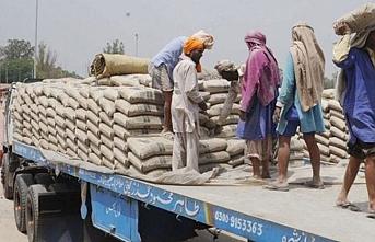 Pakistan'a Bollywood sonrası çimento yaptırımı