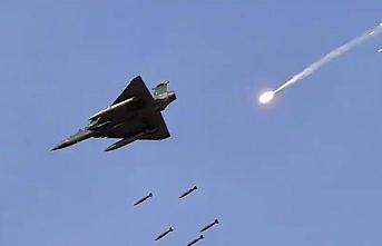 Pakistan Hindistan'ın uçağını düşürdü