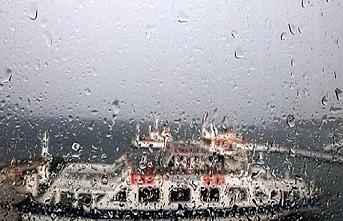 Sağanak yağmur deniz ulaşımını sekteye uğrattı