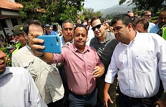 Sağcı AP üyeleri Venezuela'ya alınmadı