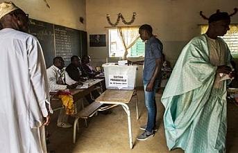 Senegal'deki cumhurbaşkanı seçimine övgü
