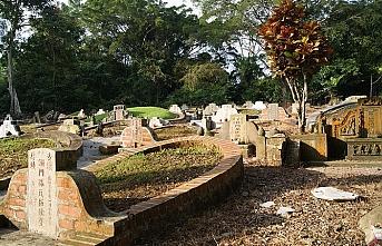 Singapur'daki ölüler adres değiştirecek