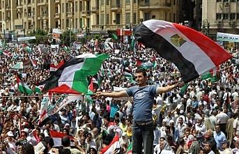 Sisi'den Filistin sorununun çözümü için iş birliği çağrısı