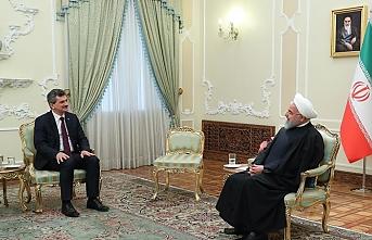 Tahran Büyükelçisi Örs Ruhani'ye güven mektubunu sundu