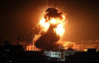 Ateşkes sonrası bombardıman  camide yangına sebep oldu