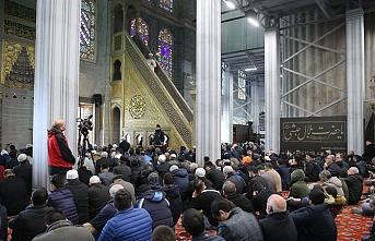 Diyanet İşleri Başkanı Sultanahmet Camii'ndeki hutbesinde Aksa'yı hatırlattı
