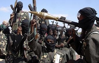 Eş-Şebab Somali'de bakanlık binasına saldırdı