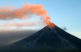 Filipinler'de Mayon Yanardağı'nda volkanik hareketlilik