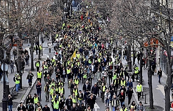 Fransa'da sarı yelekliler gösterilerin 16. haftasında sokaklarda