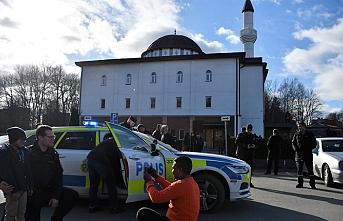 İsveç emniyeti Polis Günü'nü camide kutladı