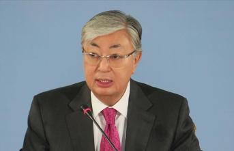 Kazakistan, tecrübeli diplomat Tokayev'e emanet