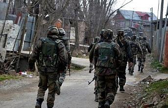 Keşmir'de iki direnişçi öldürüldü