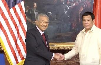 Mahathir'den Filipinler'in güneyindeki barış sürecine destek