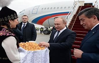 Putin, davet üzerine Kırgızistan'da