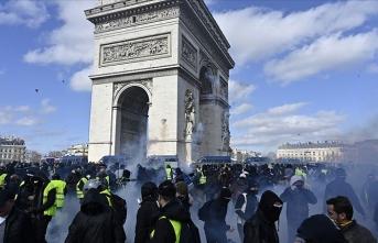 Sarı yeleklilere Paris'te gösteri yasağı