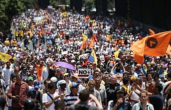 Siyasi buhran 250 bin sığınma talebi getirdi