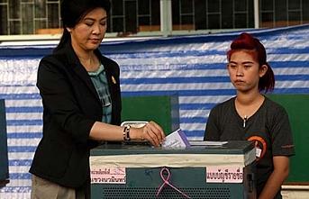 Tayland cunta gölgesinde seçime gidiyor