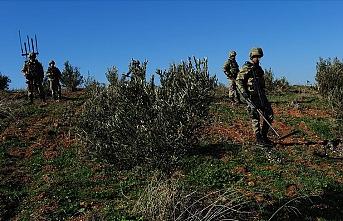 TSK, Zeytin Dalı harekat bölgesinde terör hedeflerini vuruyor