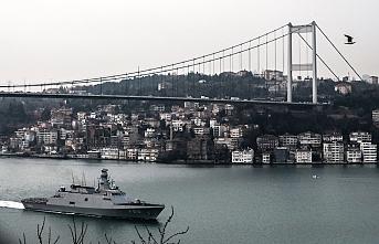 Türk savaş gemileri Boğaz'dan böyle geçti