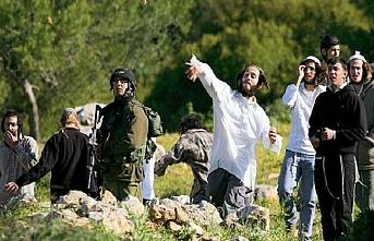 Bir grup Yahudi işgalciden Filistin'e saldırı