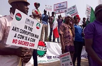 Buhari, Asgari Ücret Yasası'nı imzaladı