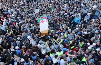 Cezayir İslami Selamet Cephesi lideri Medeni'nin cenazesi defnedildi