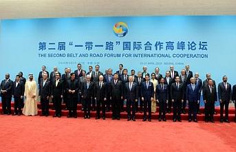 Çin'deki Bir Kuşak Bir Yol forumunda atılan imzalar