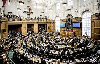 Danimarka Parlamentosuna çocuk sokulmayacak