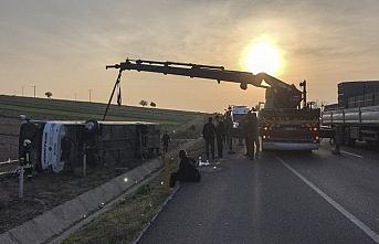 Denizli'de yolcu otobüsü devrildi, çok sayıda yaralı