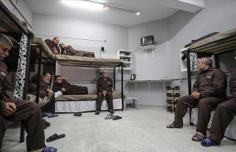Filistinli tutuklularla dayanışma için Gazze'de 'sembolik hapishane' kuruldu