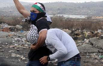 İsrail özel güçleri Batı Şeria'da Filistinli bir genci kaçırdı