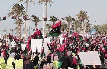 Libya halkı sokaklarda: Fransa ve Mısır, ellerinizi üzerimizden çekin