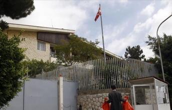 Lübnan'da Türk bayrağının yakılmasına tepki