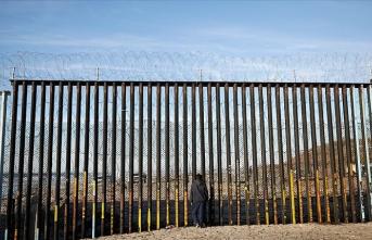 Meksika'da yüzlerce göçmen gözaltına alındı