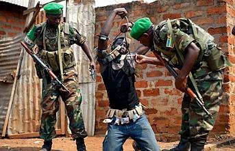 Orta Afrika, 2013'ten bu yana uygulanan silah ambargosundan şikayetçi