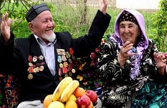 Özbekistan'da II. Dünya Savaşı gazilerinin maaşına zam