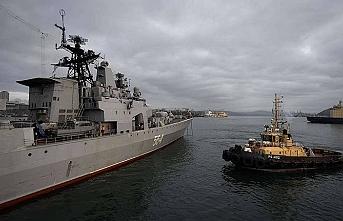 Savaş gemileriyle iyi niyet ziyareti